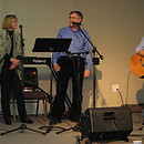 Ahava Love Band sing Messianic Jewish & contemporary Christian music - the One New Man type! Steve & Laurie Martin -